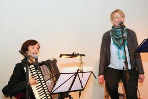 Sandra Ruß und Heike Schleicher umrahmten musikalisch die Veranstaltung
