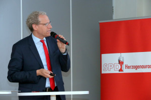 Der erste Bürgermeister, German Hacker, blickt stolz auf das Geleistete zurück und entwirft Pläne für die kommenden sechs Jahre