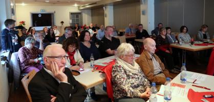 45 Parteimitglieder und Gäste folgen den Ausführungen